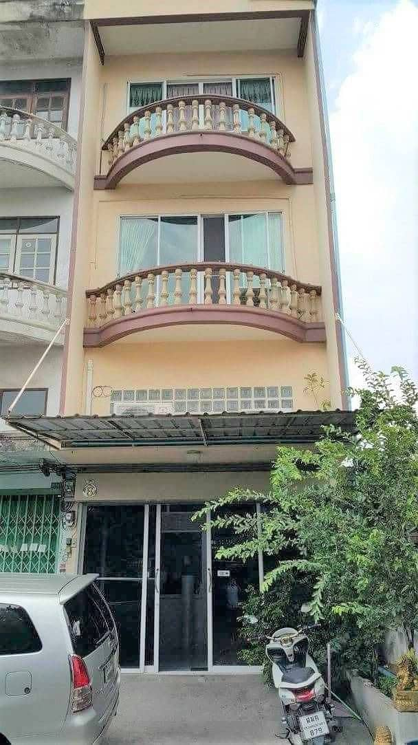 Commercial building for sale, commercial building, Petchkasem 65, 4 floors, 7 rooms, 3 bathrooms, size 26 square meters, mrt main two, The Mall Bang Khae, corner room