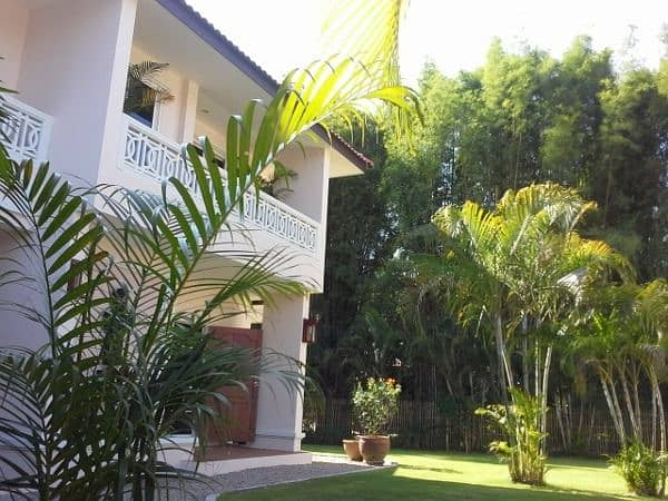 New house with resort style furniture, shady atmosphere with wide lawn Located in the village of Flora Ville Chiang Mai, Doi Saket.