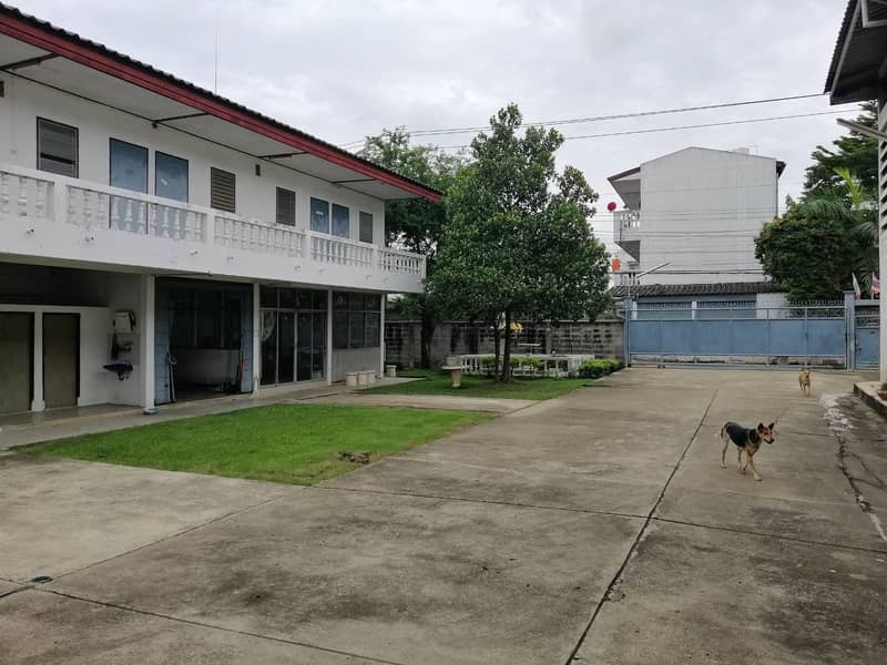 Selling a rubber glue factory, land area of 1 rai, Nong Khaem, into a 100 meter alley with a certificate of Rong.