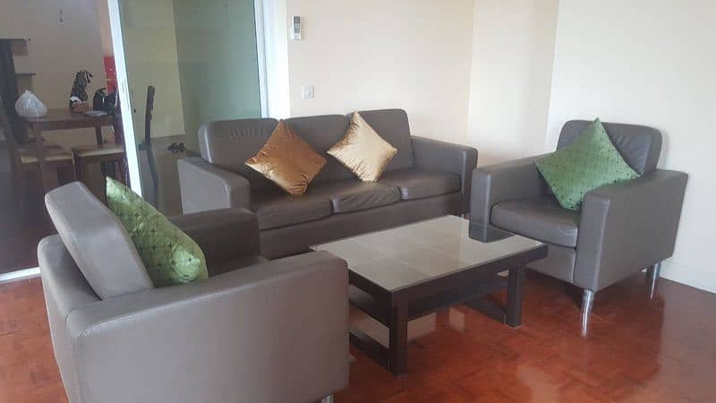 Room for rent, condo, Lake View