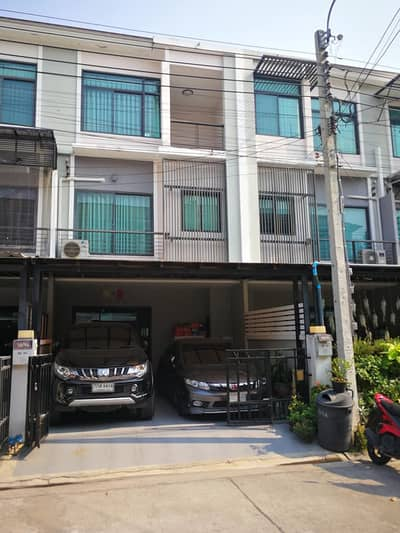 3 Bedroom Townhouse for Sale in Prawet, Bangkok - H486-Townhome 3 storey for sale The Metro Phatthanakan-Srinakarin  (On Nut 80) Fully furnished, ready to move in