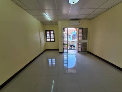 2 Bedroom Townhouse for Rent in Don Mueang, Bangkok - Rent For Rattanawarai soi Vipavadee 39