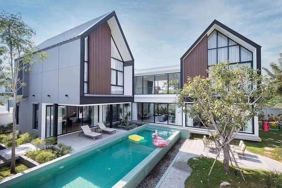 The Loft Asset Contemporary architectural style. A home that accesses the joy of life Newly built luxury house pool villa with private pool.