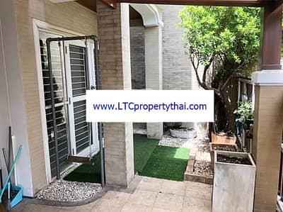 3 Bedroom Townhouse for Rent in Sathon, Bangkok - 3-storey house for rent on Sukhumvit Road, Wattana, near BTS Phra Khanong. Area 50 square meters, 3 bedrooms, 4 bathrooms, rental price 100,000 baht per month