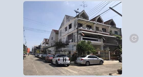 4 Bedroom Townhouse for Sale in Lat Phrao, Bangkok - Townhouse for Sale, Townhome, 3 Floors, 4 Bedrooms, 3 Bathrooms, Area of 145sq m, Corner Room, Can Park 4 Cars, The Cheapest Price.