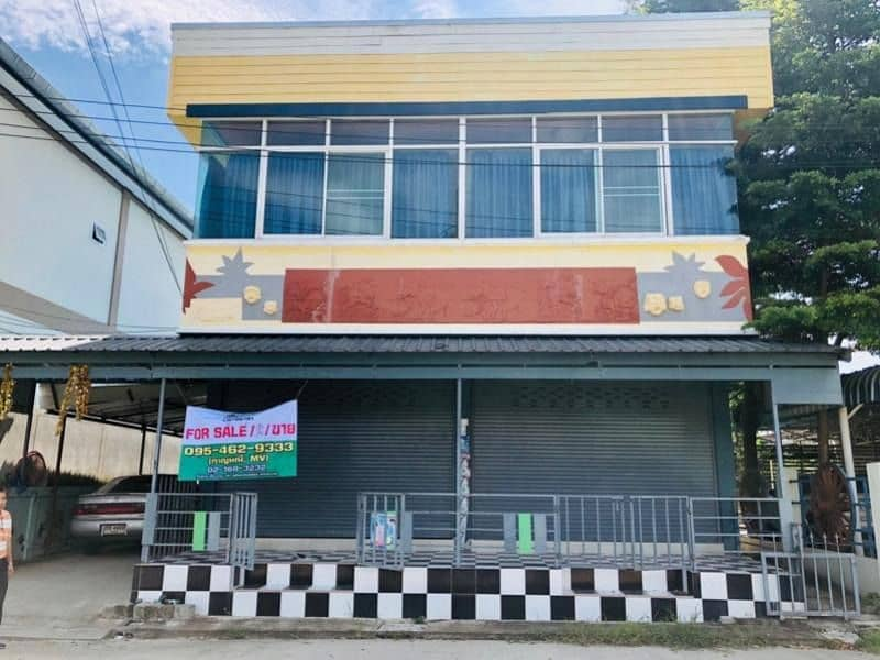 2-storey commercial building for sale, size 66.9 sq. wa. , 6 bedrooms, 6 bathrooms, Saraphi, Chiang Mai.