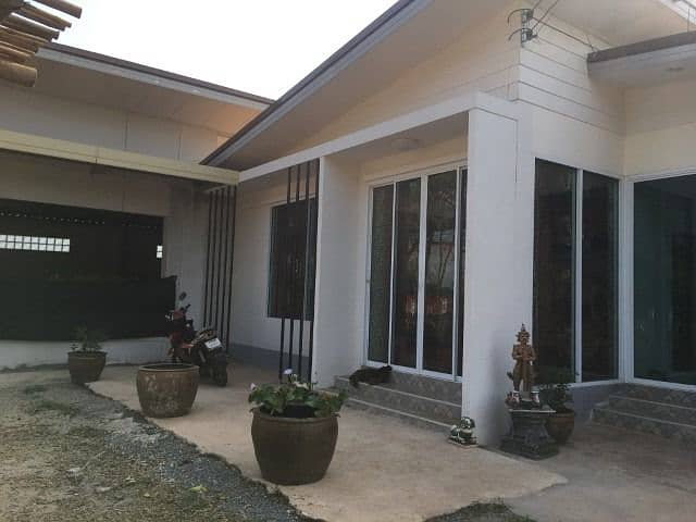 House for sale in good location, next to the highway, Nong Khai