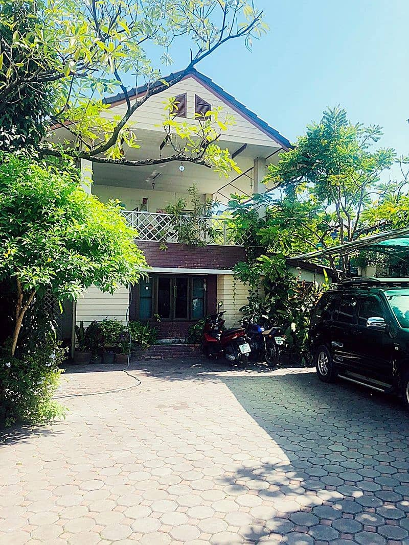 Dormitory for sale in a garden house total 42 rooms with a house ready to operate immediately.