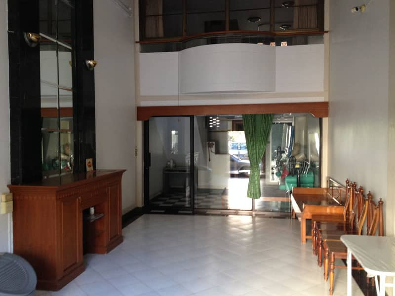 Selling a building, 1 booth, opposite the city division in the center of Korat