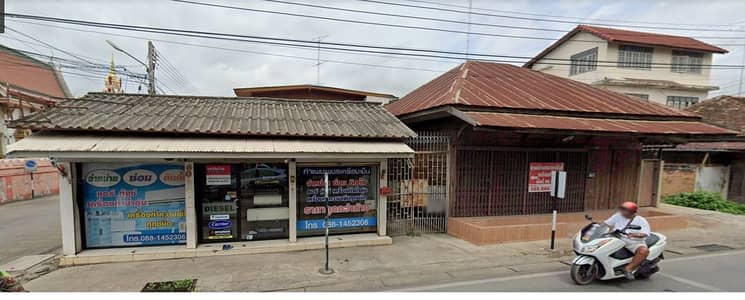2 Bedroom Home for Sale in Mueang Kamphaeng Phet, Kamphaengphet - 2 wooden houses next to Sadet Temple, an area of 66 square meters