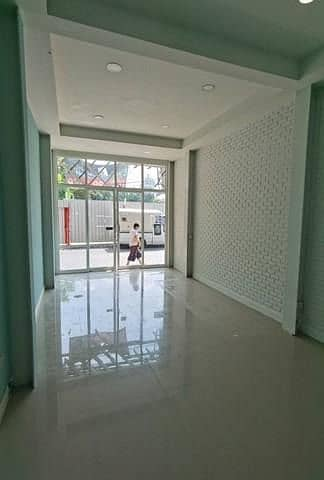 3-storey commercial building for rent in Silom area, office zone Suitable for many businesses Near Bangkok Bank Head Office