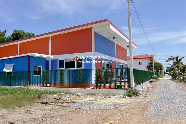 Land for sale 1 rai Sai Noi with 2 warehouse buildings and 2-storey office building for 1 year, total usable area of 770 sq m, warehouse building with 96 needles.