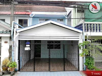 Townhouse Bearing near BTS Bearing. Renovate after all, convenient to travel