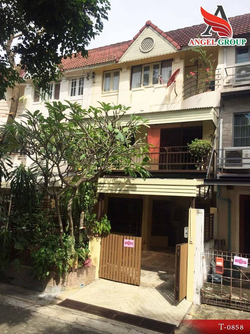 3-storey townhome for sale, Laddao Bangna Village, convenient transportation
