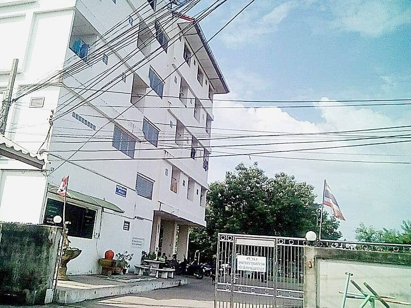 Selling a 5-storey apartment with 50 rooms with tenants full of all rooms.
