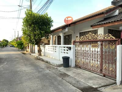 3 Bedroom Home for Rent in Taling Chan, Bangkok - Single house for rent