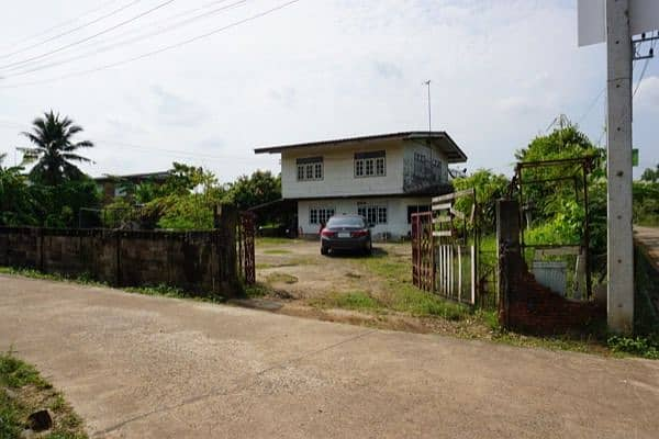 Land for sale with houses in Nadee Prachin district, land area 288 sq m.