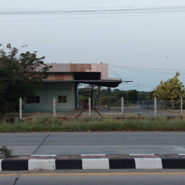 For rent in front and warehouse, good location
