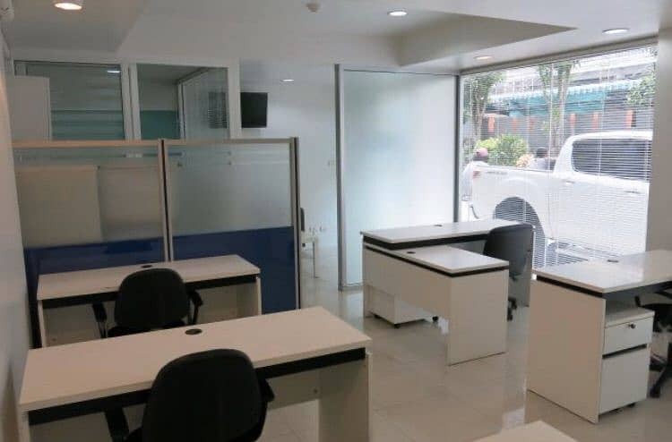 The ground floor area in front of the condo My Condo Sathorn Taksin suitable for Show Room Office