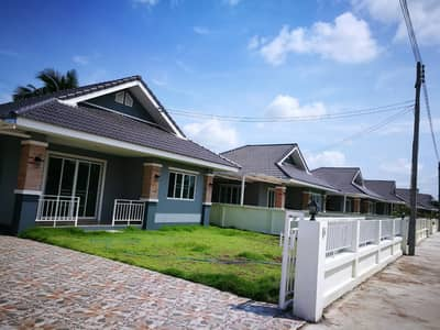 3 Bedroom Home for Sale in Saraphi, Chiangmai - Single detached house for sale, empty house outside the project, Saraphi zone, Kong Sai junction
