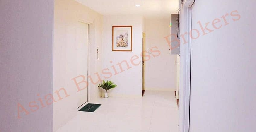 0123029, 30-room guesthouse with elevator near BTS Phra Khanong.