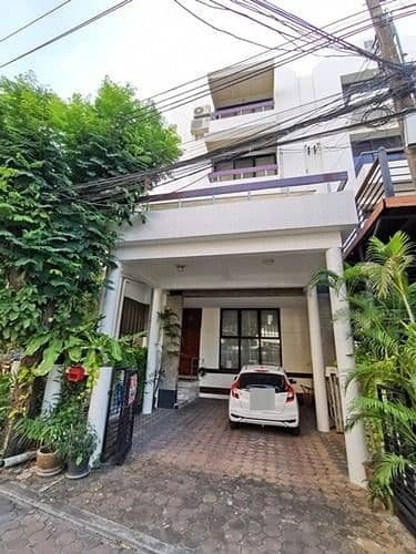 4 Bedroom Townhouse for Rent in Watthana, Bangkok - B00772 Townhome for rent, Home Place Village, Sukhumvit 71, near BTS Phra Khanong.