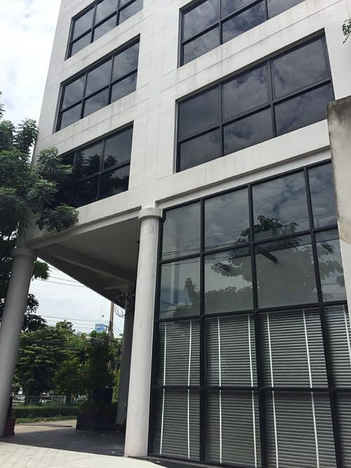 Office Ram Inthra Road, the entrance of the Soi BTS