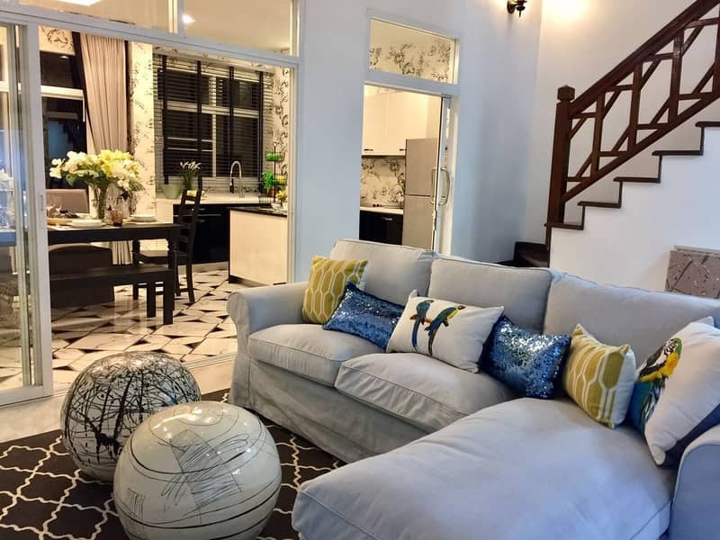 Luxury 4-storey townhome for rent, Green Park Village, 36 square meters, Chaengwattana-Pak Kret Soi 28, behind Central Plaza Chaengwattana, with private swimming pool.