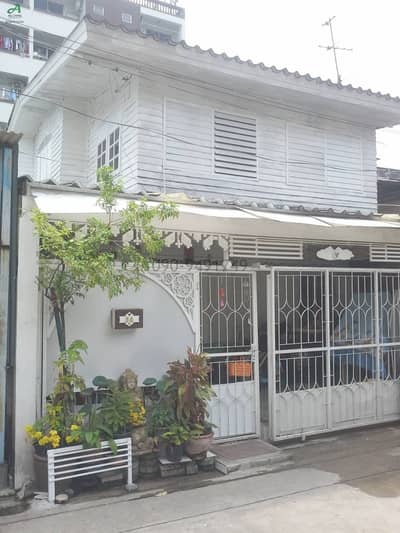 3 Bedroom Townhouse for Rent in Lat Phrao, Bangkok - House for rent near MRT Ratchada-Suthisan. Ladprao 64