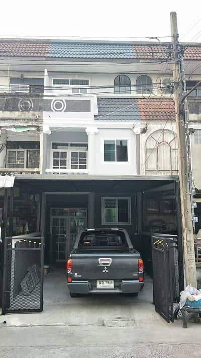 4 Bedroom Townhouse for Rent in Bang Khae, Bangkok - 3-storey townhouse for rent, Petchkasem 51, near Kasemrad Hospital, Bang Khae (Code RH009)