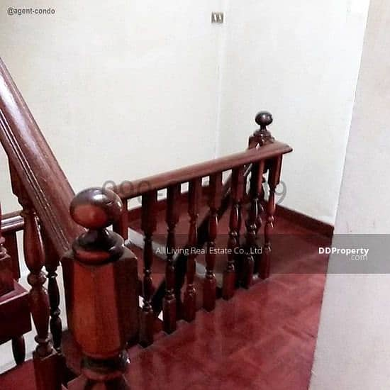 Rent 3-storey townhome Lasalle Soi 1 Sukhumvit 105 ready to move in.