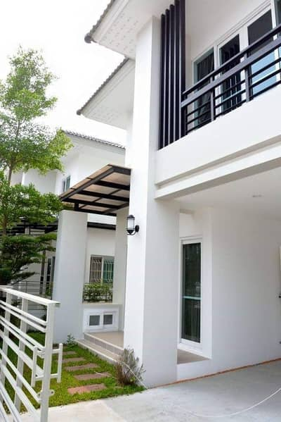 3 Bedroom Home for Rent in Pho Chai, Roiet - 2 storey house for rent at The Urbana 2 by Palm springs.