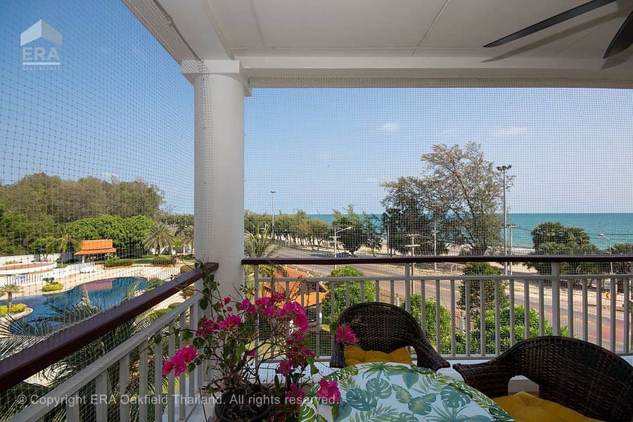 Well-maintained condominium with sea view at Mae Phim beach