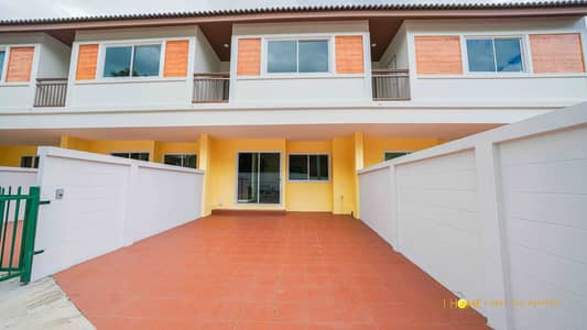3 Bedroom Townhouse for Sale in San Sai, Chiangmai - CK0262 Two-Storey Townhouse for sale. Takes only 10-15 minutes to reach the city. 3 bedrooms and 3 bathrooms, 25.60 sq. wa.