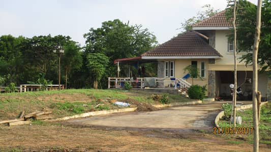3 Bedroom Home for Sale in Mueang Chaiyaphum, Chaiyaphum - Location: Khok Nong Na House with land The title deed is not attached to the mortgage Sell by owner