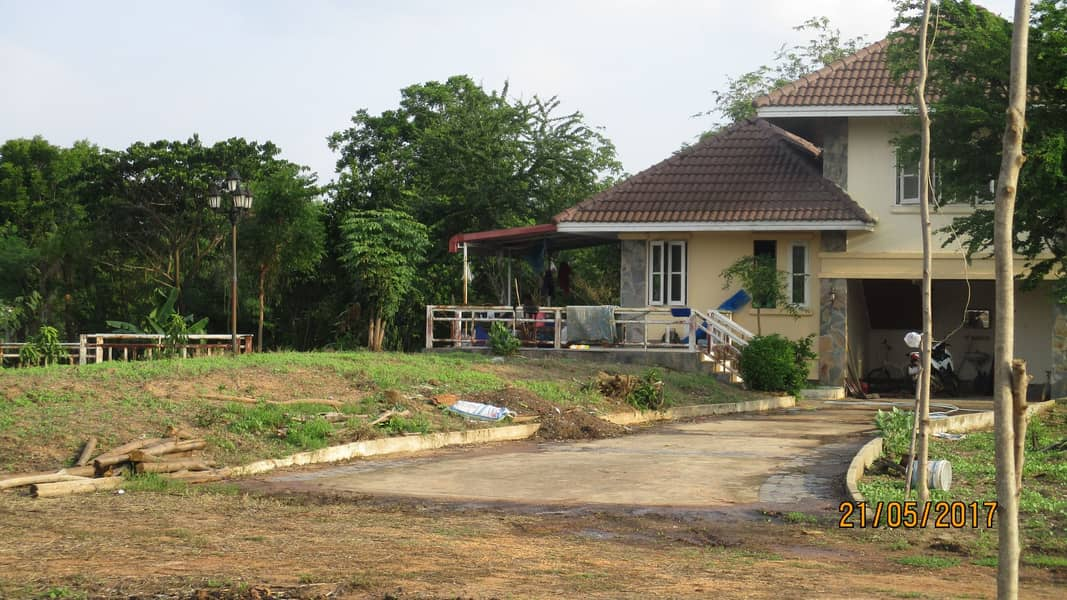 Location: Khok Nong Na House with land The title deed is not attached to the mortgage Sell by owner