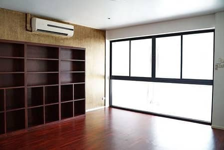 2 Bedroom Townhouse for Rent in Pathum Wan, Bangkok - 3-storey townhome for rent, Wireless Road, near BTS Ploenchit, near San Saeb Pier, Saphan Witthayu