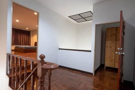 3 Bedroom Townhouse for Rent in Thawi Watthana, Bangkok - 3-storey townhome for rent, Soi Thonglor 36 Near BTS Thonglor, near Rama 4 Road
