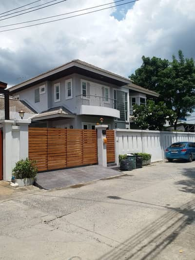 3 Bedroom Home for Rent in Lat Phrao, Bangkok - House for rent in Ladprao Soi 71 Sukontasawat.