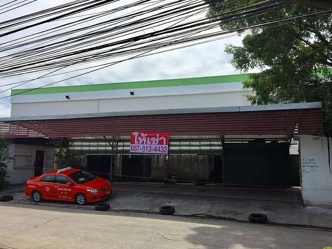 Land for rent Can do many businesses, good location, next to Big C Suwinthawong, Minburi intersection