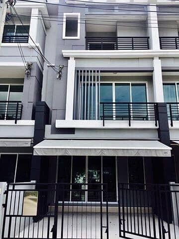 3 Bedroom Townhouse for Rent in Mueang Nonthaburi, Nonthaburi - House for rent in Klang Muang Phibulsongkram Rama 7