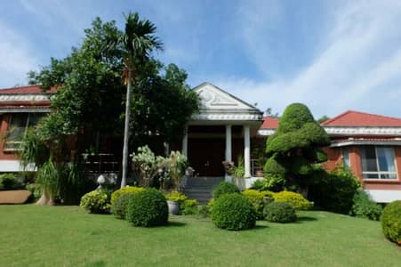5 Bedroom Home for Sale in Muak Lek, Saraburi - Villa for sale with basement, custom built, materials direct from outside