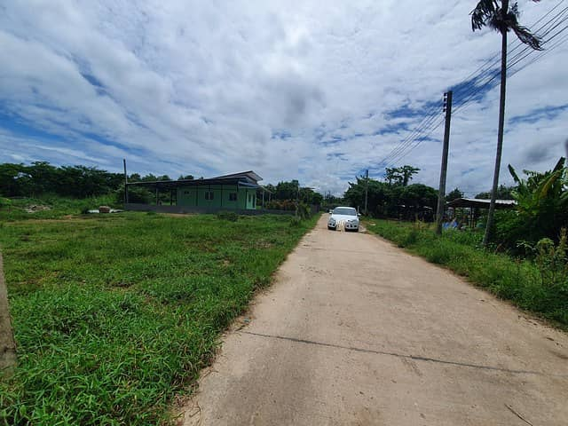Land for sell 1-3-78 rai, near Sukhumvit Road, opposite the Rayong Elephant Camp. Good location, suitable for living