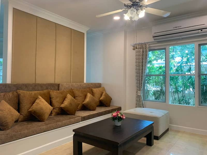 H503-For rent, 2 storey detached house, Perfect Place Ramkhamhaeng, convenient transportation. There are furniture and electrical appliances. ready to move in