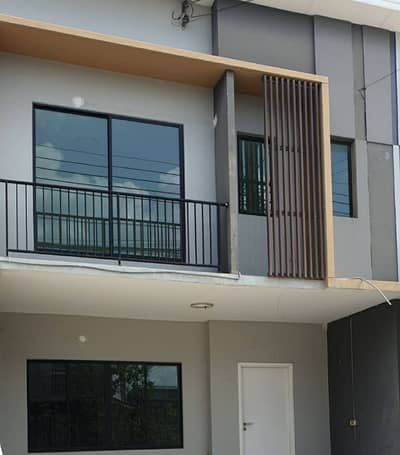 3 Bedroom Townhouse for Sale in Phra Khanong, Bangkok - House for sale on Nut 36 beautiful.
