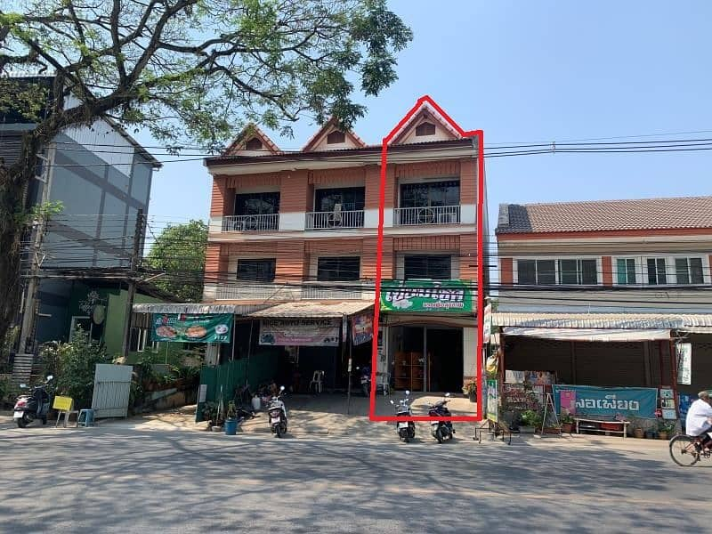 Commercial building for sale 25.9 square wa. Rop Wiang, Chiang Rai, next to the road, good condition.