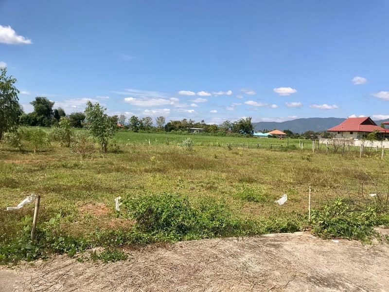 Land for sale 1 rai 32 sq m (divided in half for sale) Nang Lae Subdistrict, Mueang District, Chiang Rai Province