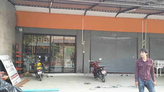 Commercial Space for Rent in Lam Luk Ka, Pathumthani - One-storey building for rent, Khlong 4, Lam Luk Ka, near AC market, Pak Soi 17, Sawai Pracharat.