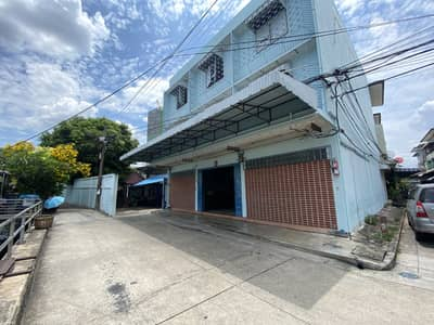 3 Bedroom Office for Sale in Bangkok Yai, Bangkok - Selling a 3-storey building, 9 meters wide, in the heart of Tha Phra, with 222 square meters of land.