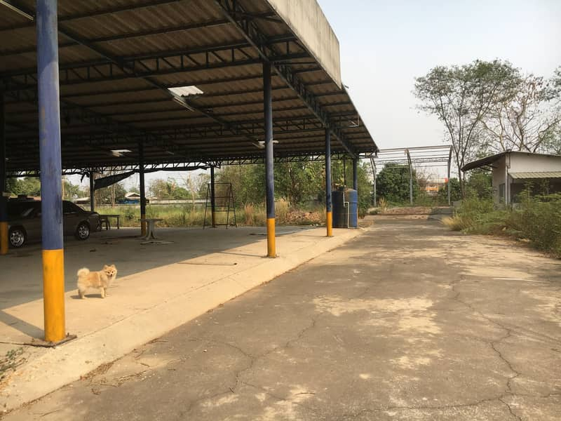 Divided for rent on the main road, Nong Khae District, Saraburi Province